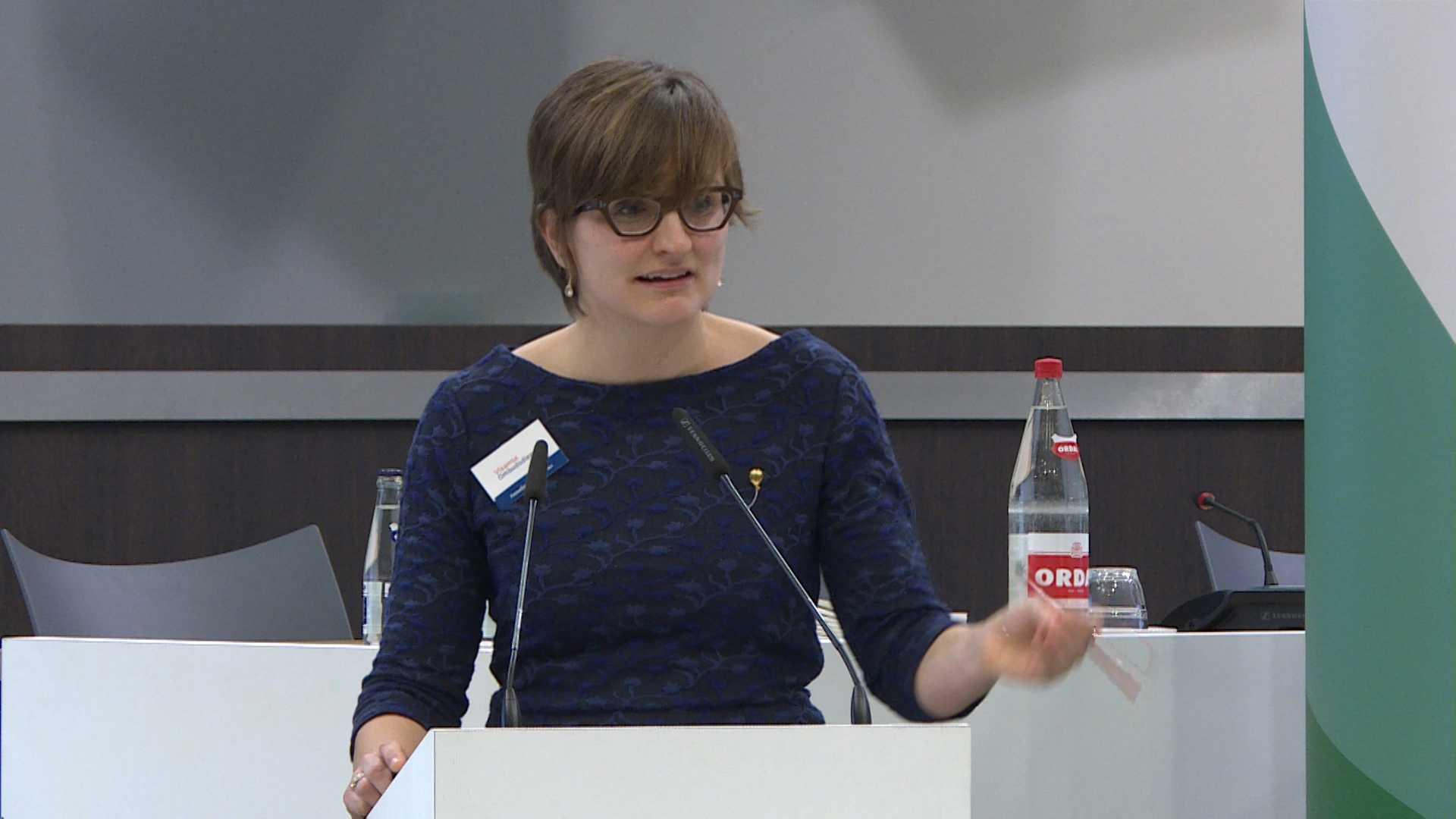 """#spraakmakers: """"Twittertaal is de voertaal"""" - Annelies D'Espallier"""