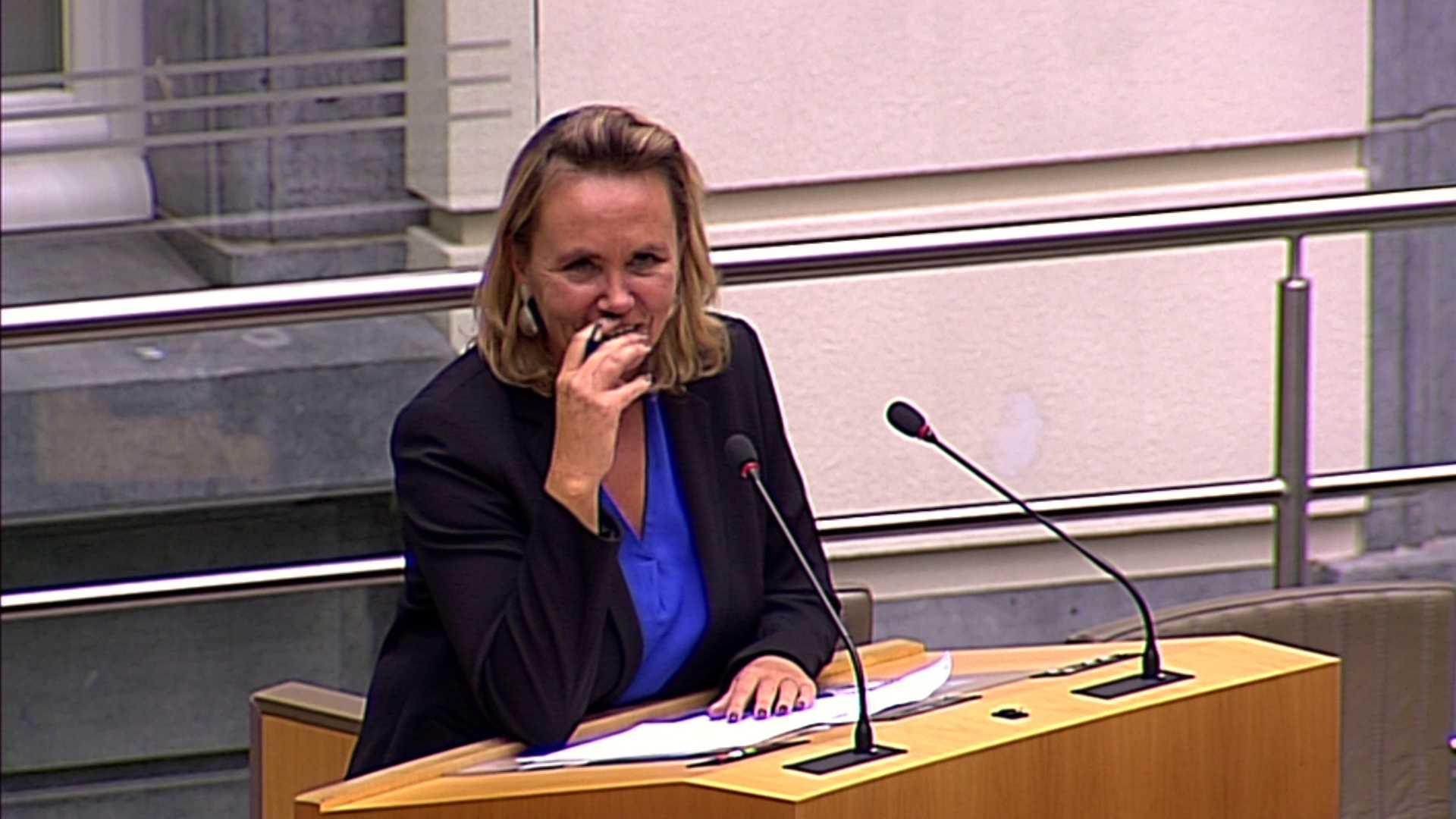 """#spraakmakers: """"Wat u zegt, vind ik hemeltergend"""" - Liesbeth Homans"""