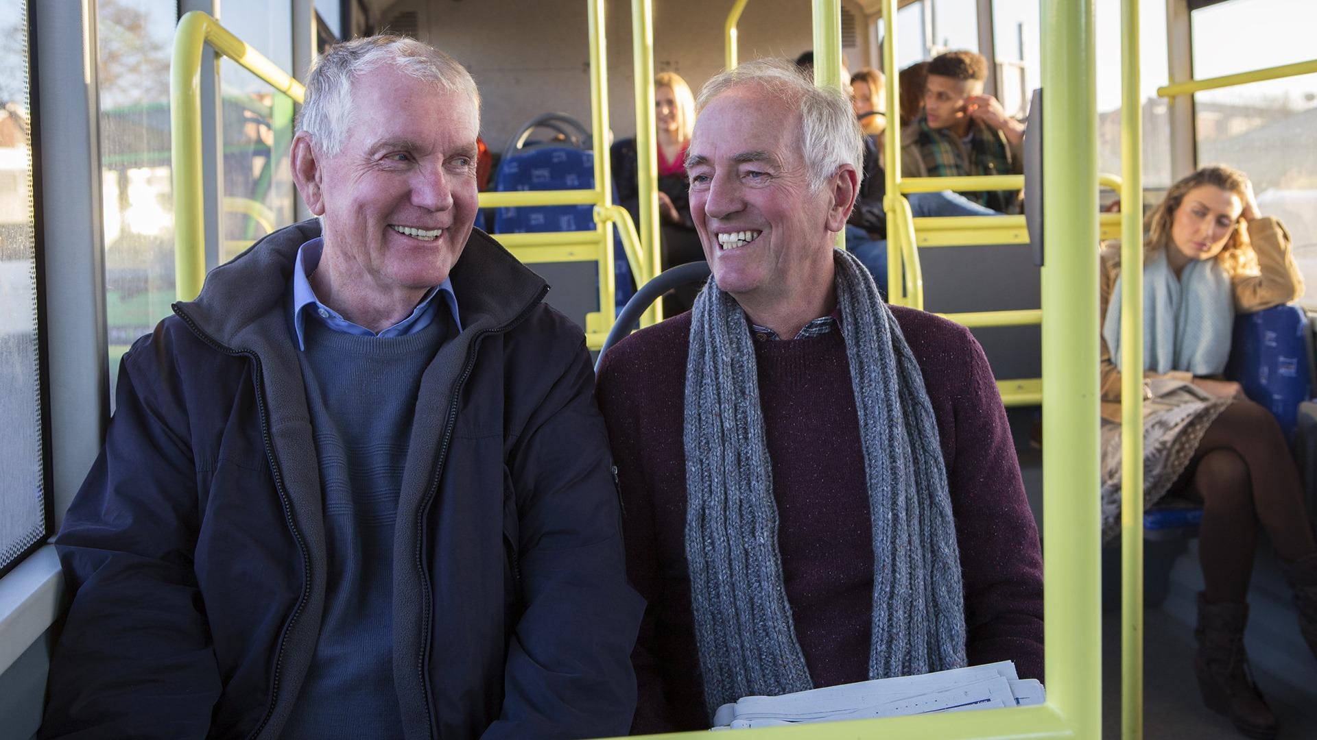 Senioren nemen steeds minder de bus of tram