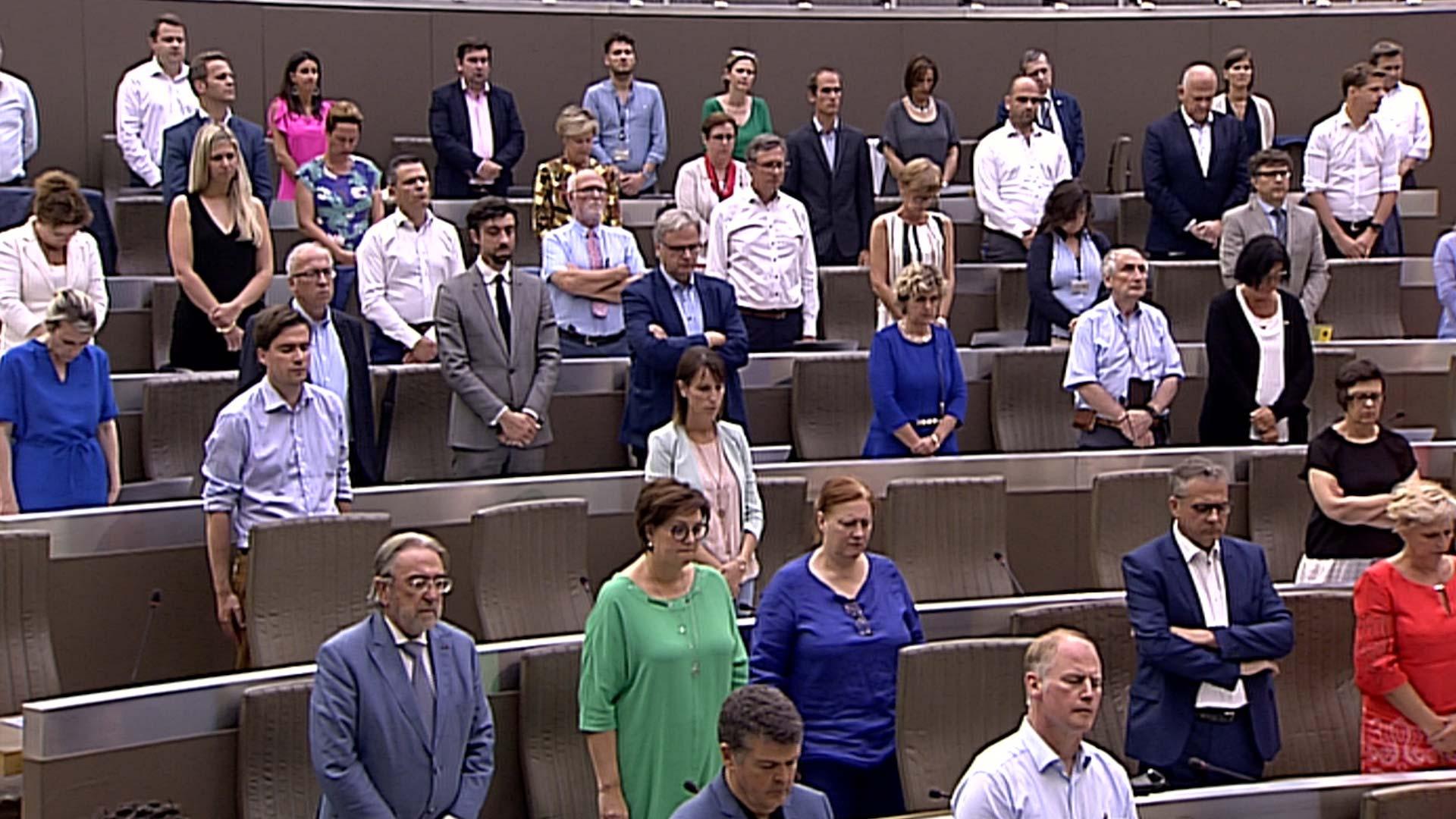 """#spraakmakers: """"Graag vraag ik dan nu een moment van stilte"""" - Peter Van Rompuy"""