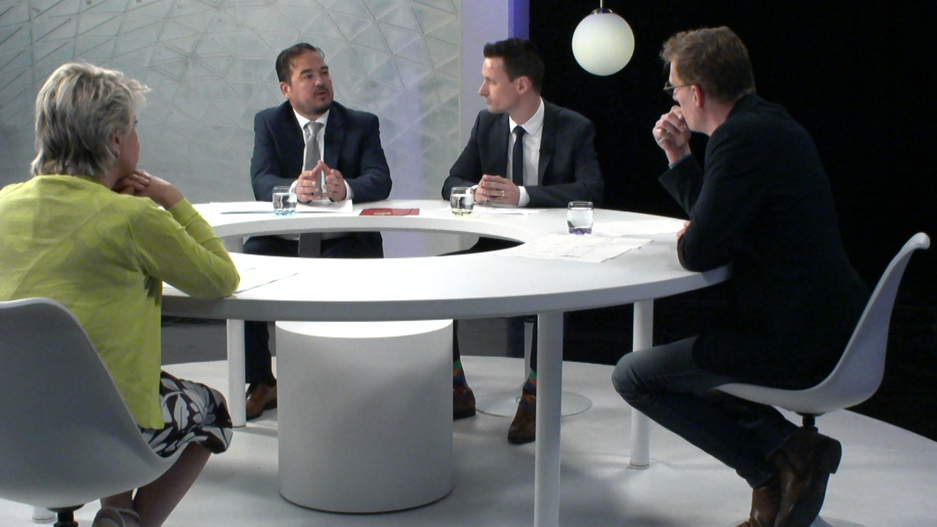 Het Debat: Gokverslaving - met Katia Segers (sp.a), Björn Anseeuw (N-VA) en Peter Naessens (Kansspelcommissie)