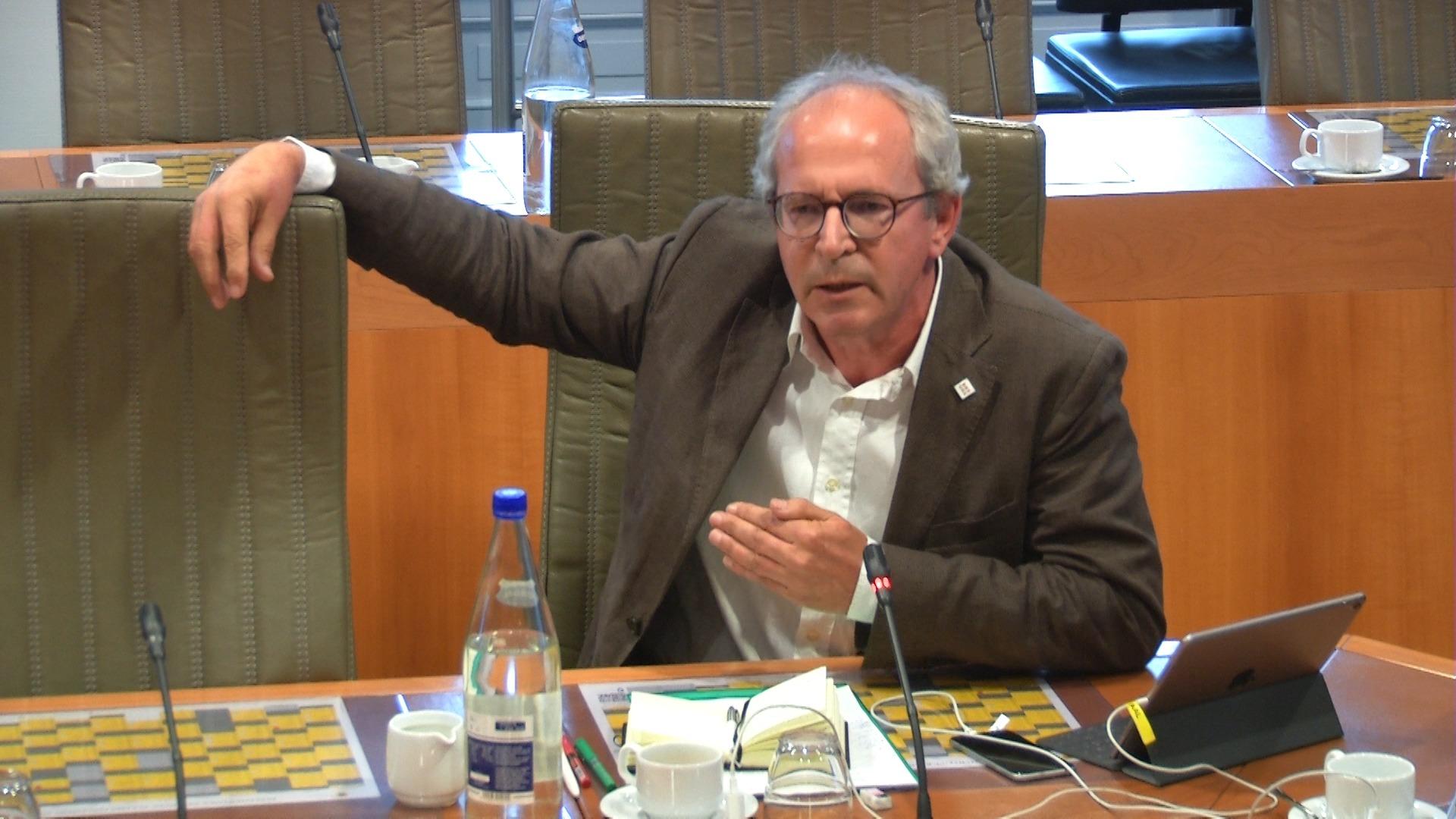 """#spraakmakers: """"Er is een dreiging van vervoersarmoede"""" - Renaat Landuyt"""