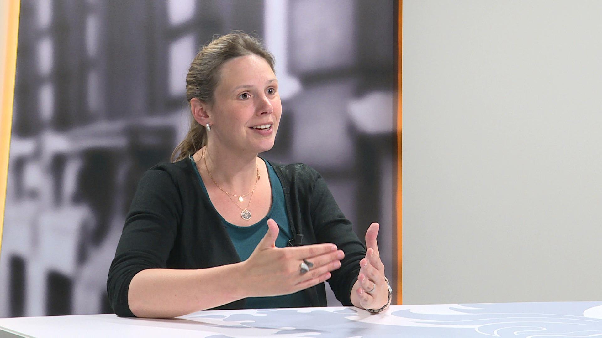 Studio Vlaams Parlement: Freya Saeys over het armoedebeleid van Liesbeth Homans