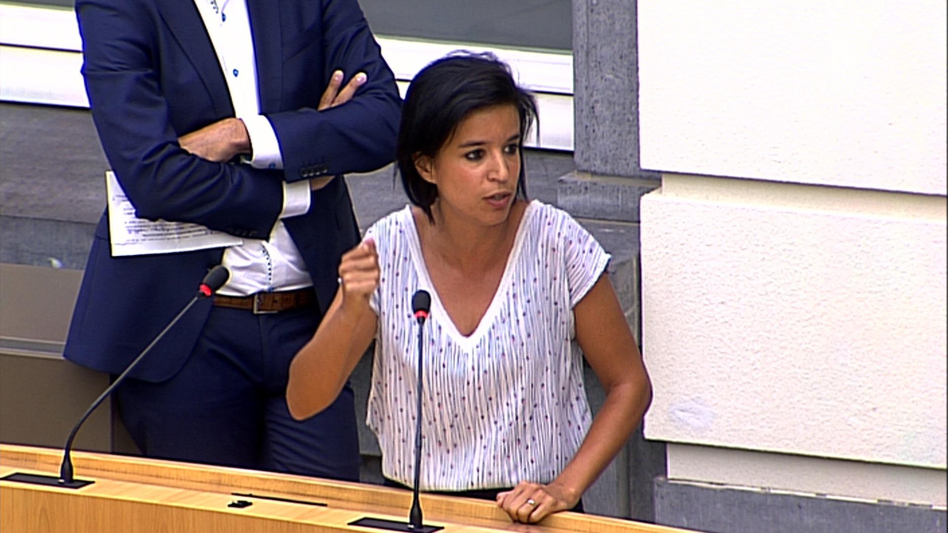 #spraakmakers: 'Ik kom desnoods kamperen voor uw kabinet' - Nadia Sminate