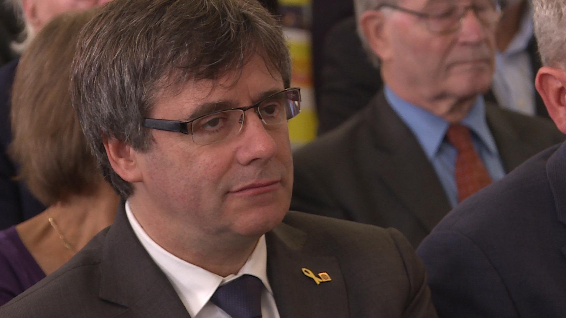 Spanje verbreekt diplomatieke banden met Vlaanderen