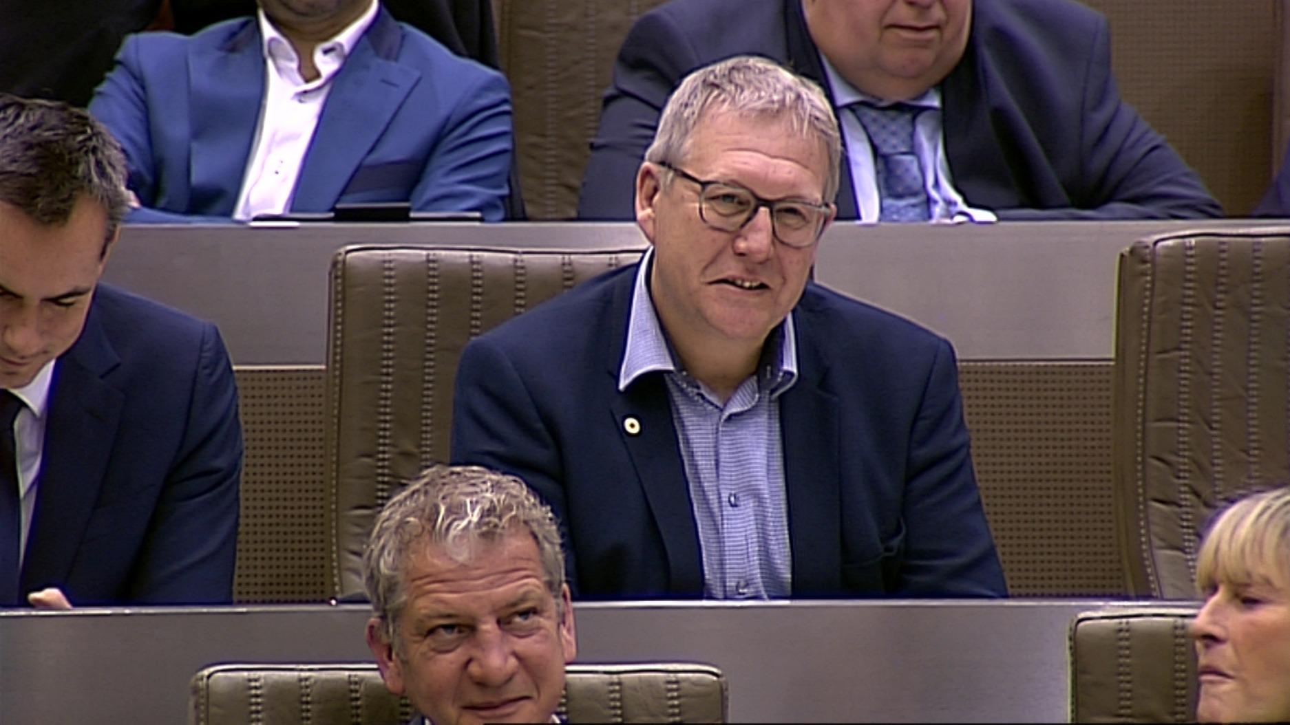 """#spraakmakers: """"Een van uw specialiteiten was vuilniszakken"""" - Jan Peumans"""