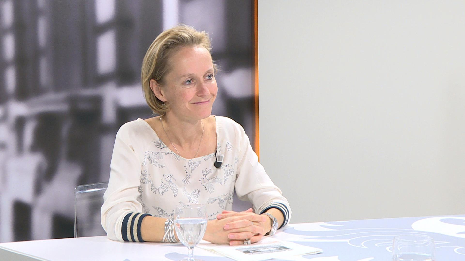 Studio Vlaams Parlement: Annick De Ridder over vrouwenrijscholen