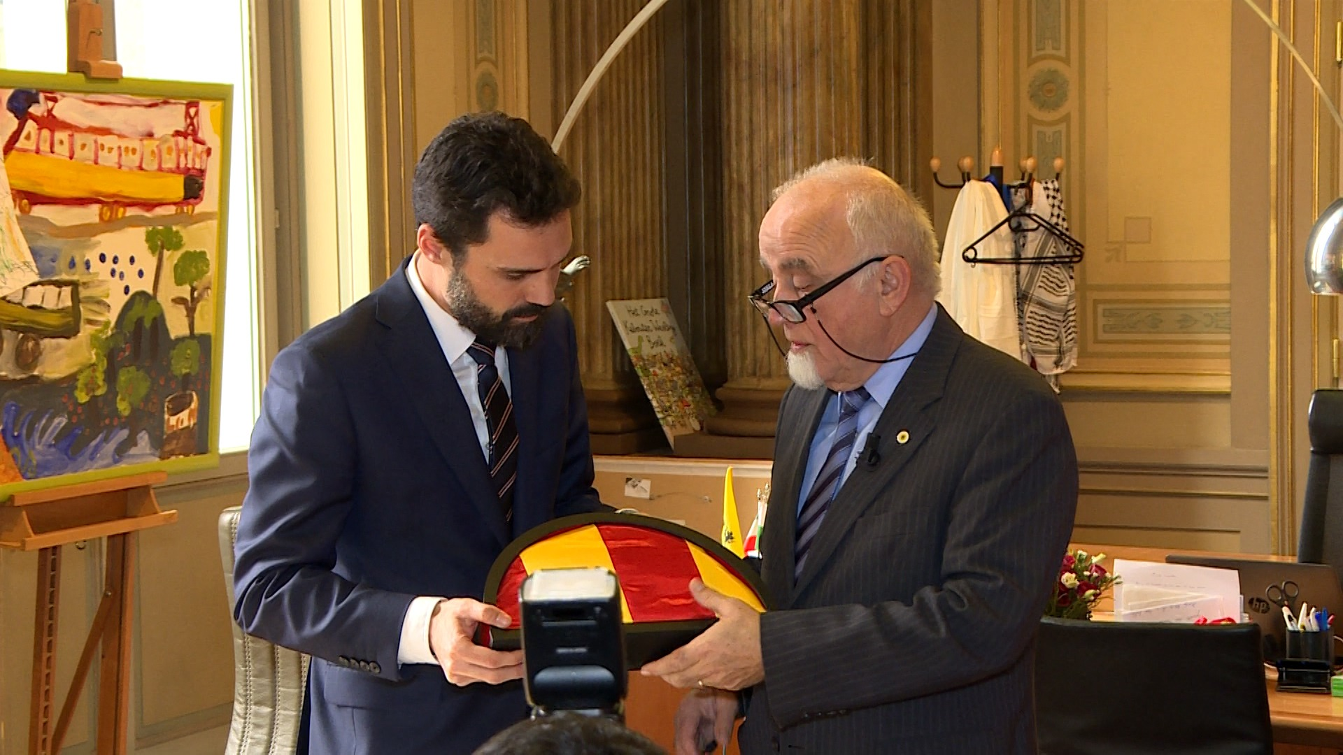 In de wandelgangen: Bezoek van voorzitter Catalaans parlement