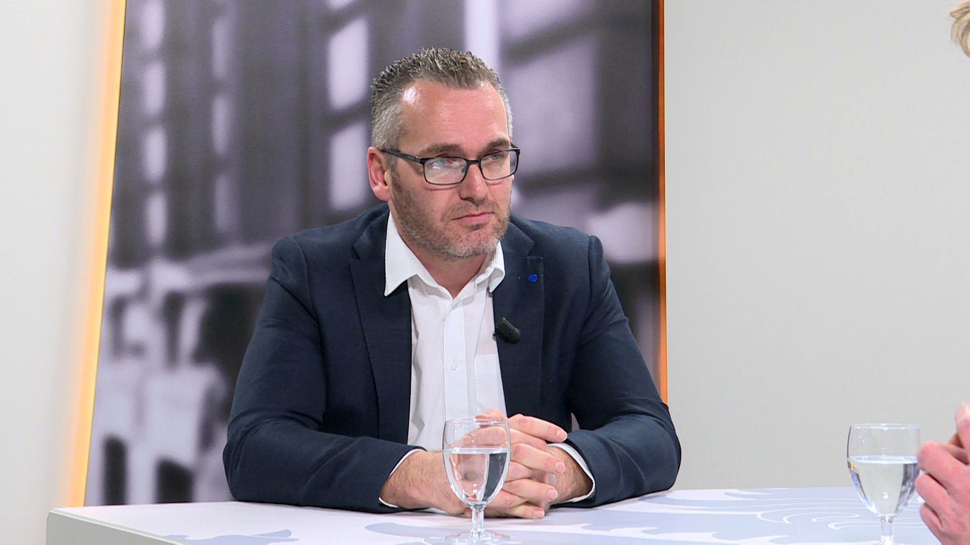 Studio Vlaams Parlement: Jo De Ro over onderwijsassistenten in het basisonderwijs