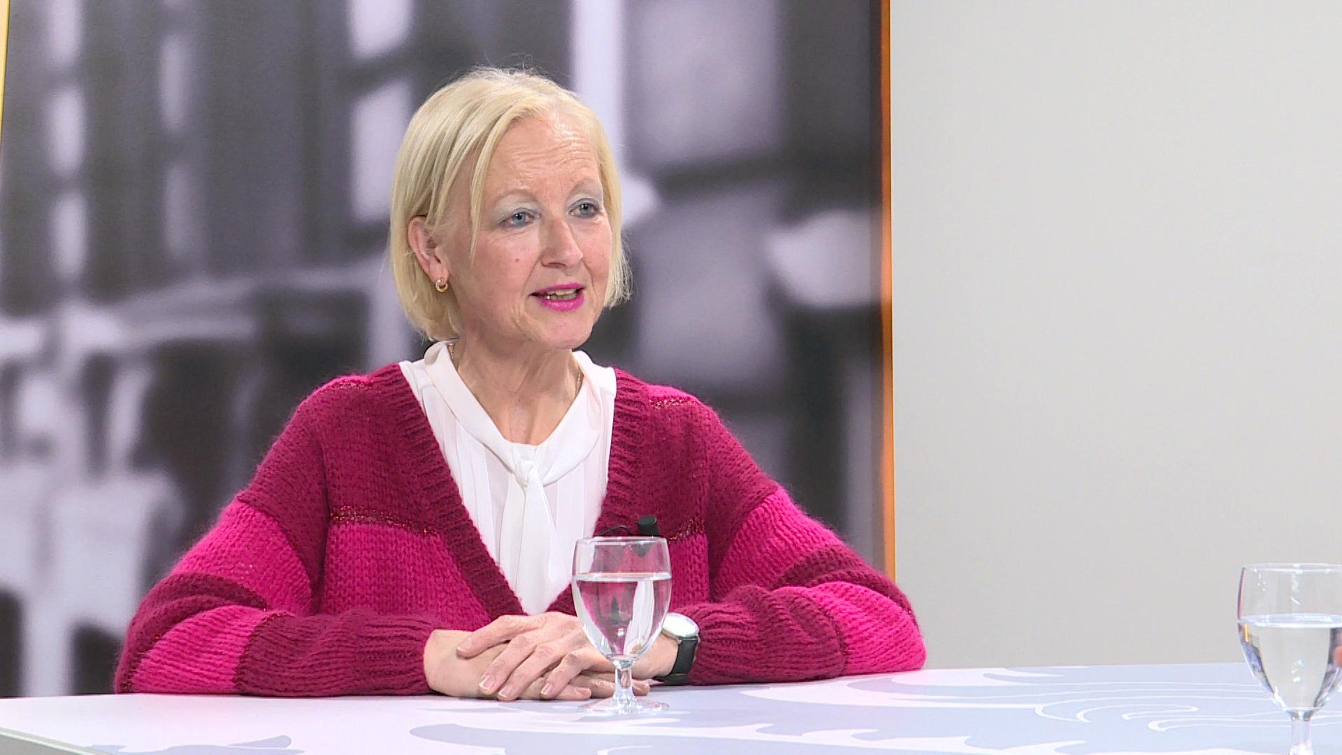 Studio Vlaams Parlement: Vera Celis over het tekort aan leerkrachten in Vlaanderen
