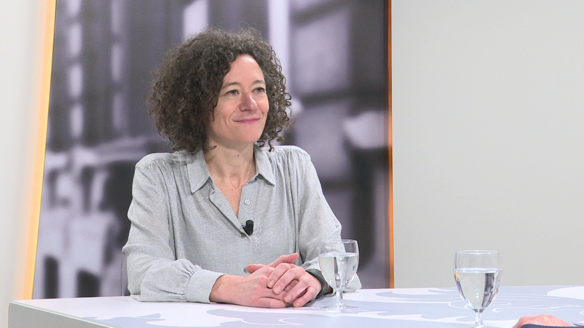 Studio Vlaams Parlement: Yasmine Kherbache over 100 euro netto extra voor lage inkomens