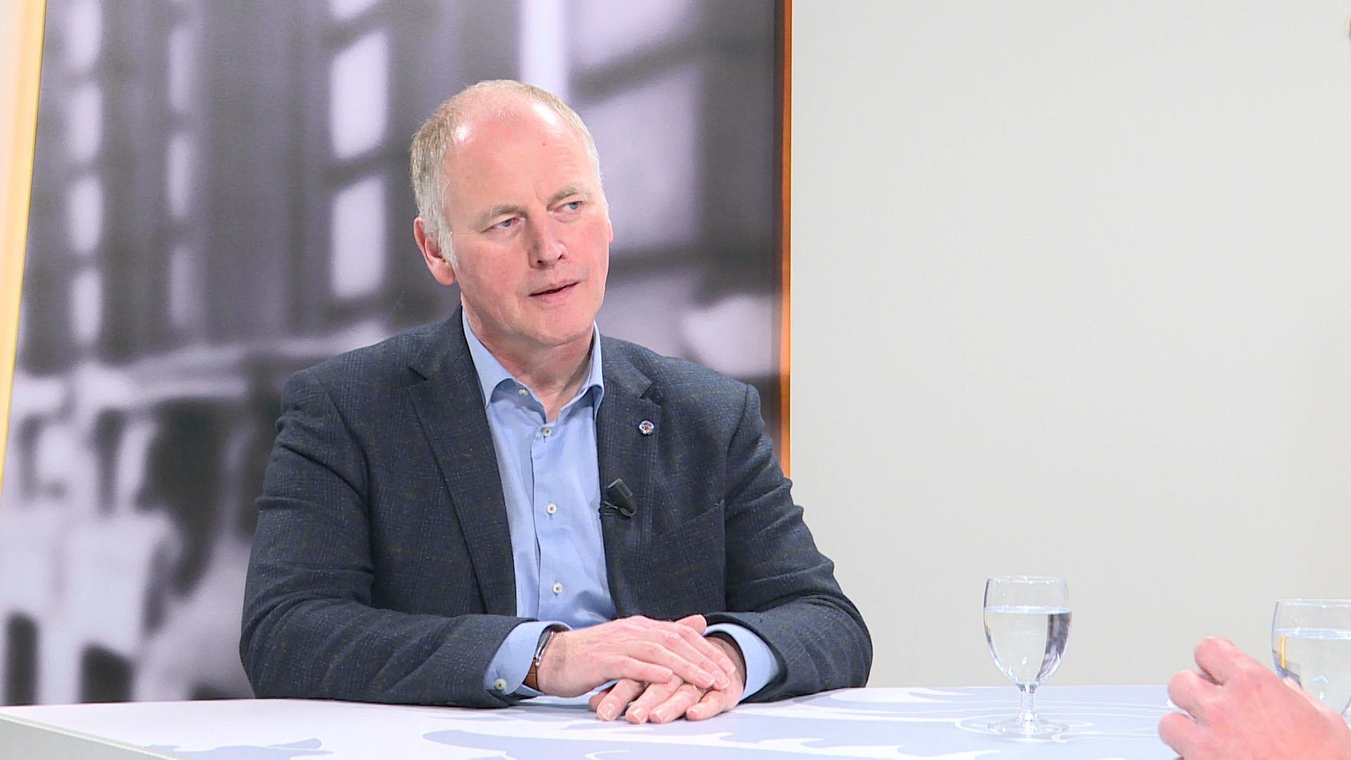 Studio Vlaams Parlement: Marino Keulen over minimale dienstverlening