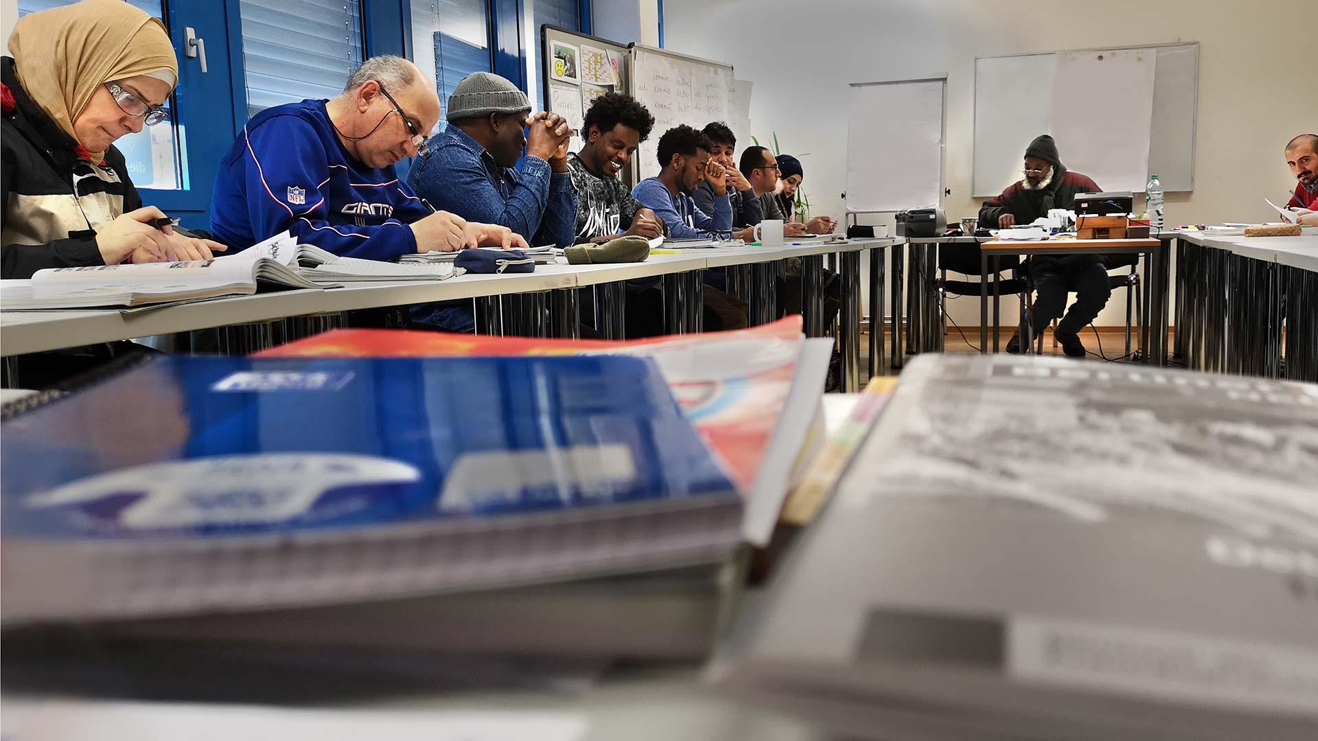 Debat over de wachtlijsten voor inburgeringscursussen