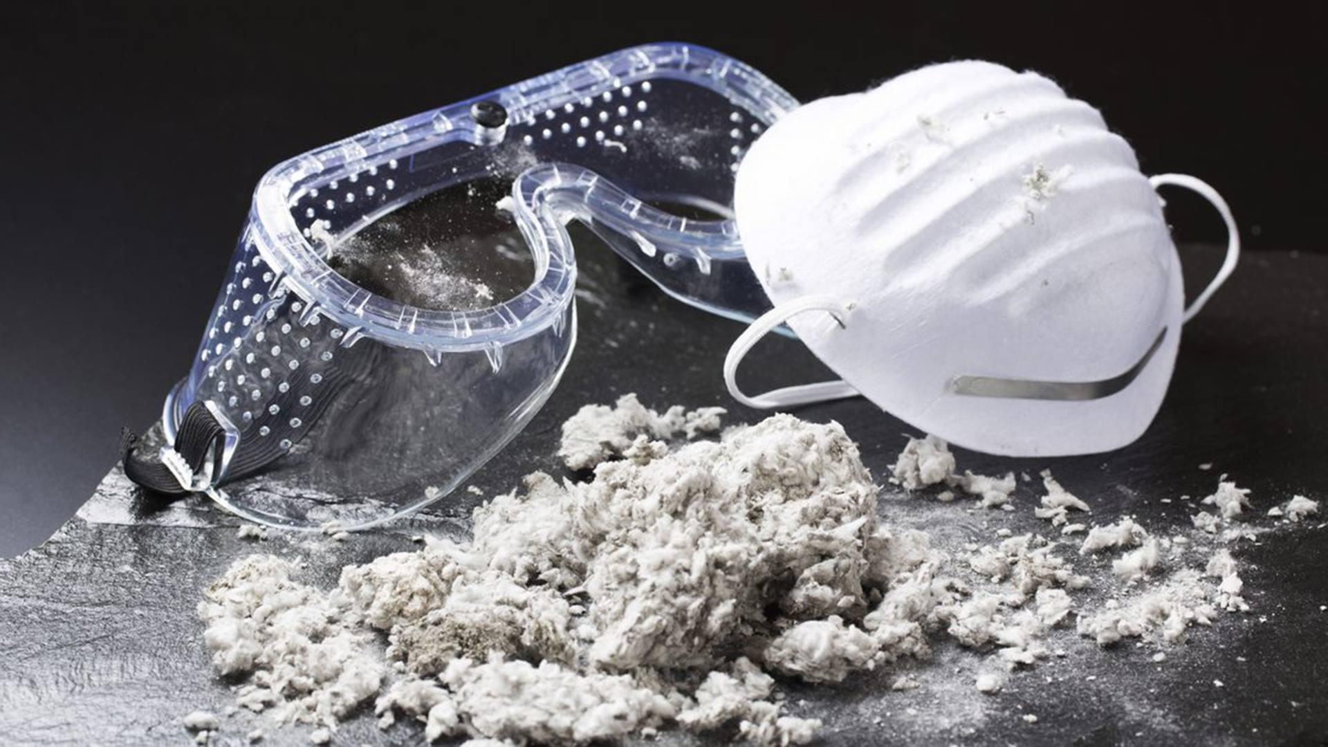 De ophaling van asbest aan huis