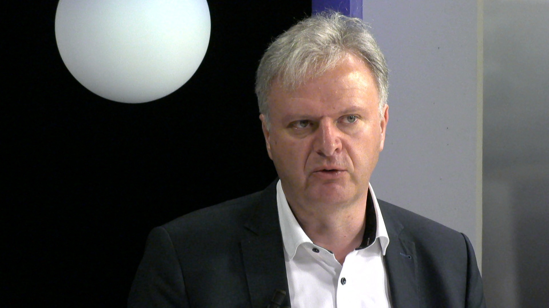 """#spraakmakers: """"Wij pleiten voor een maandelijkse rapportering van De Lijn"""" - Dirk de Kort (CD&V)"""