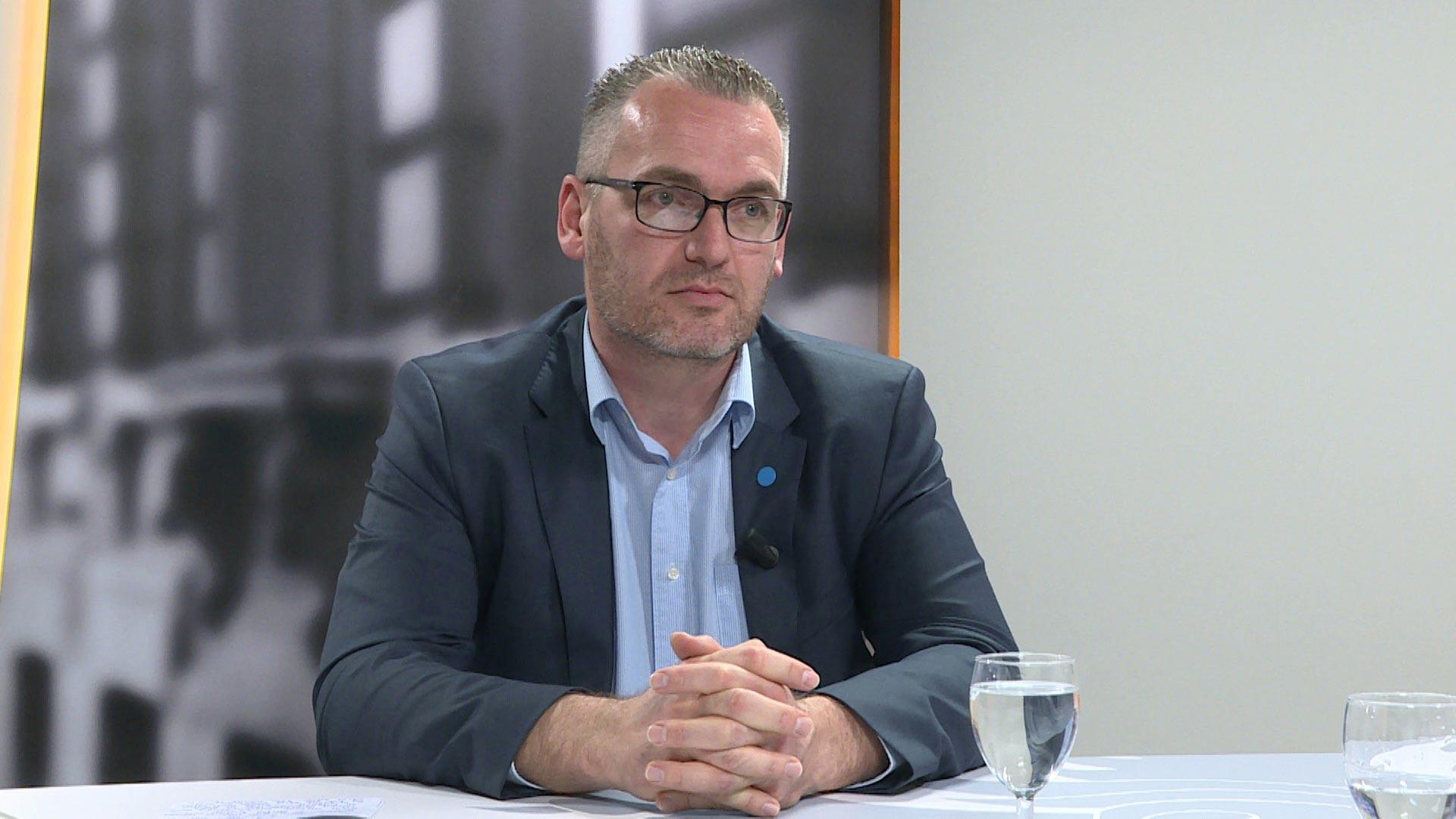 Studio Vlaams Parlement: Jo De Ro over de dalende kwaliteit van het onderwijs in Vlaanderen