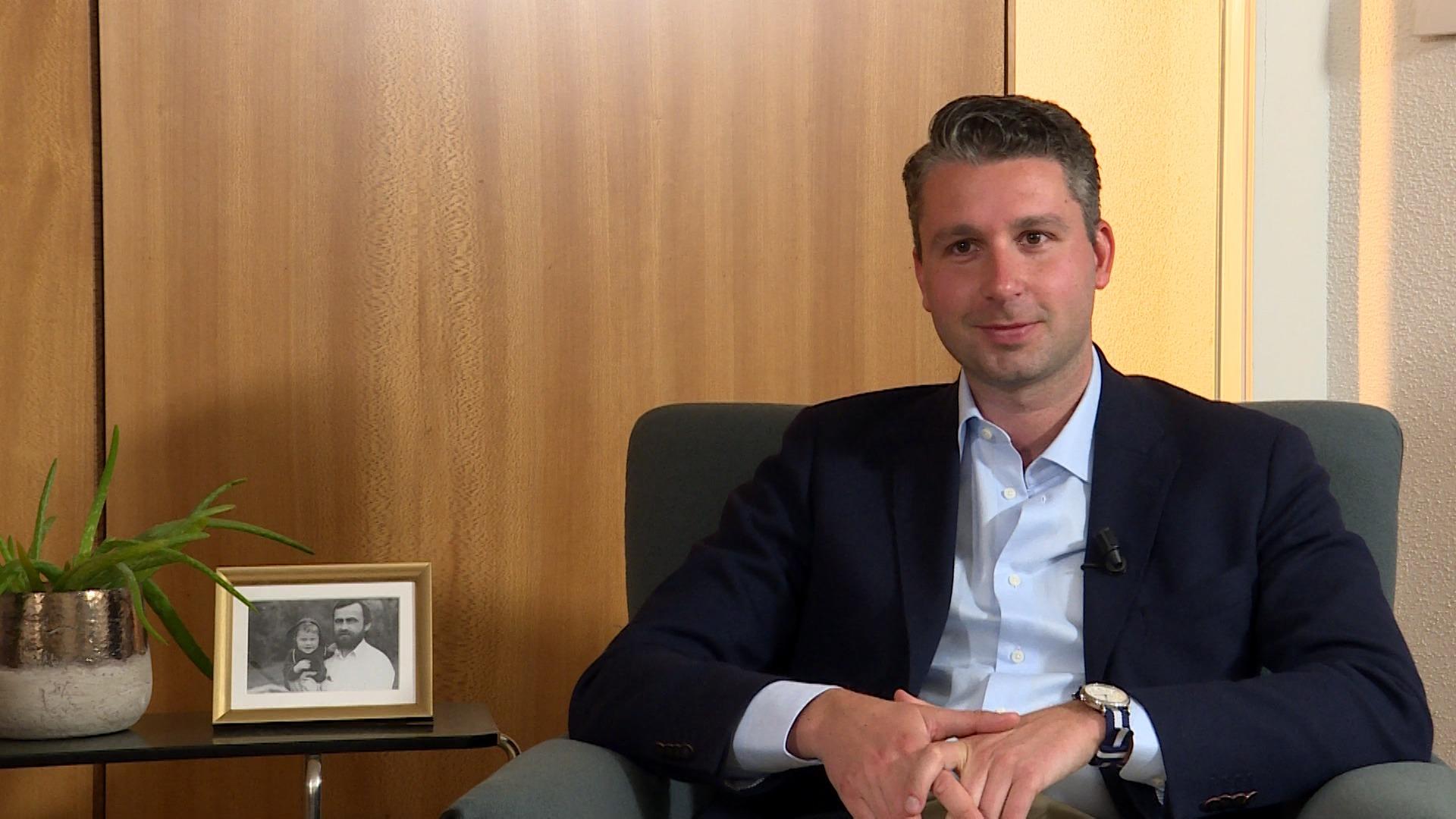 100 kandidaten: Bart Claes (Vlaams Belang)