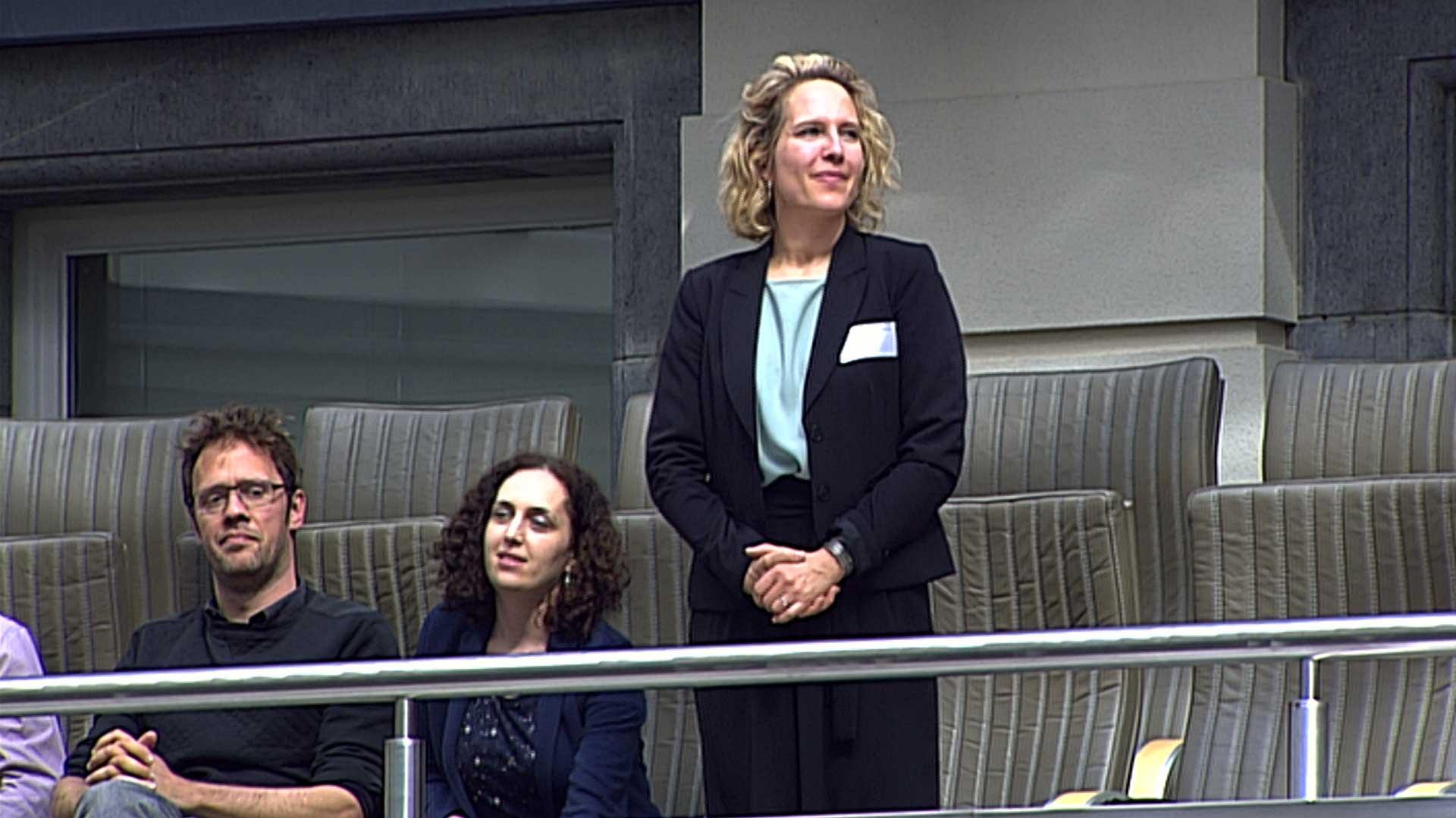 """""""Het Uitgebreid Bureau draagt mevrouw Caroline Vrijens voor"""" - Jan Peumans"""