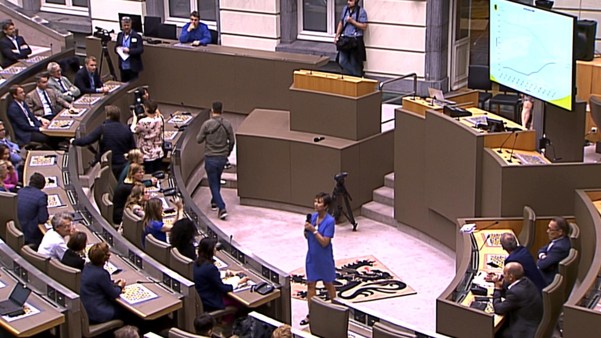 """#spraakmakers: """"Bijna de helft van de verkozenen zijn vrouwen"""" - Martine Goossens"""