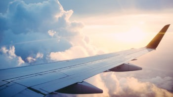 Vlaanderen wil CO2-uitstoot van vliegtuigsector verlagen