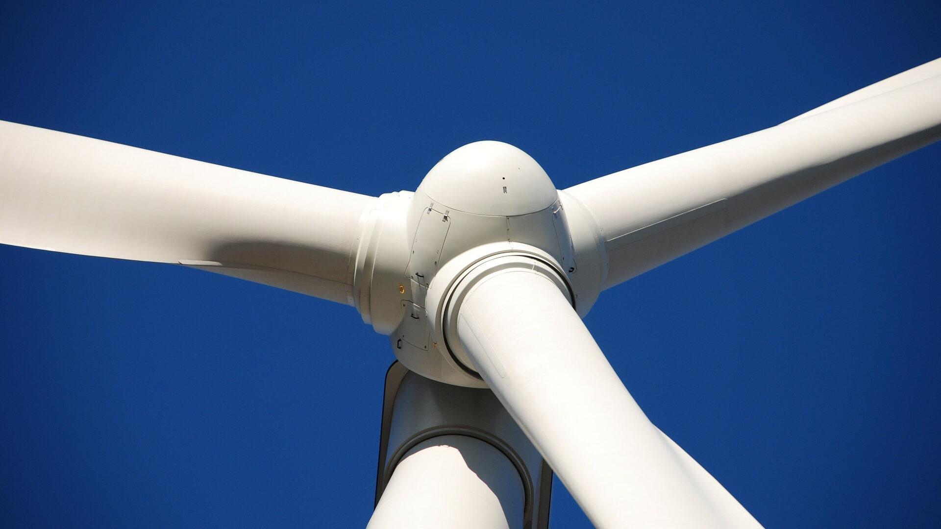 De vervanging van verouderde windturbines