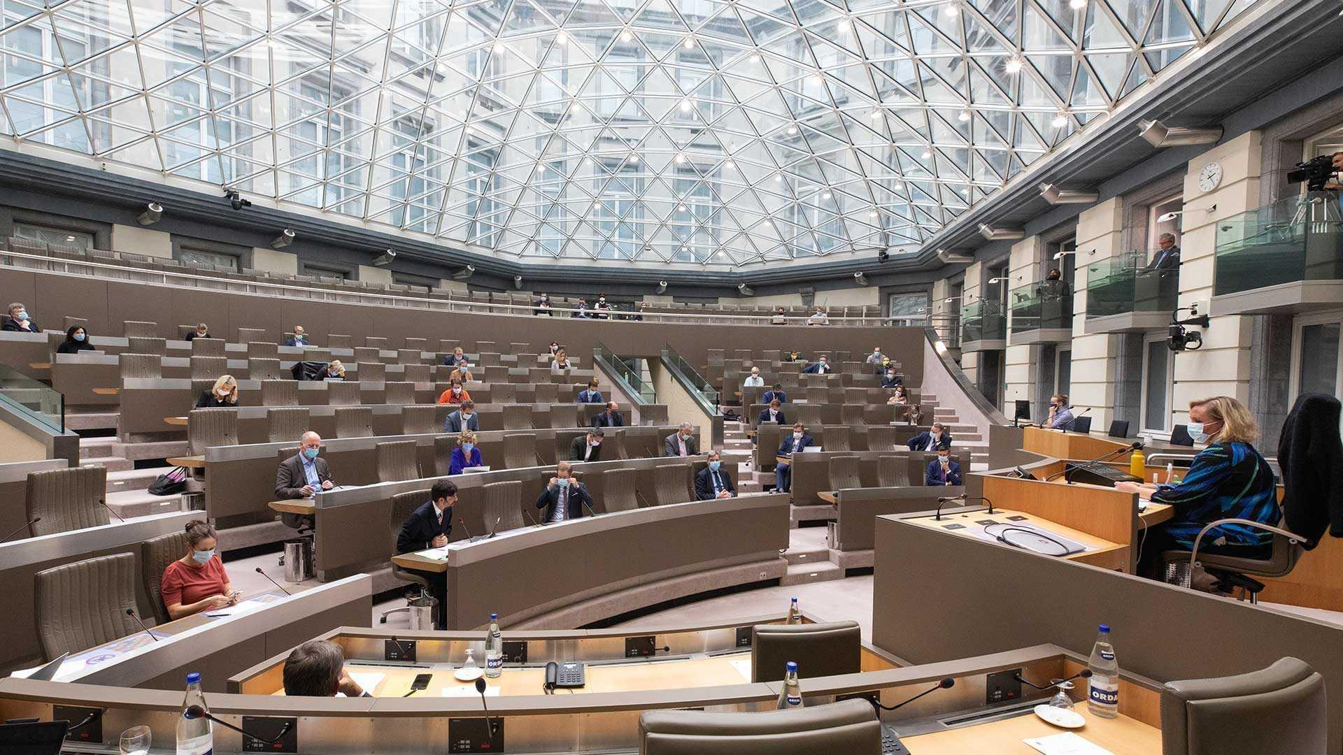 Plenaire vergadering in de Koepelzaal van het Vlaams Parlmenent